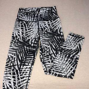 NWOT Aerie Play Palm Print Leggings